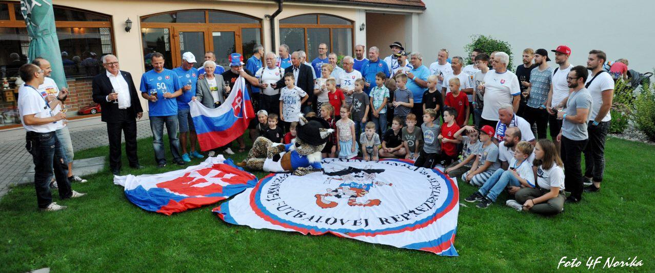 deb77e5395b6a S predsedom oficiálneho fanklubu slovenskej futbalovej reprezentácie  Romanom Táborským prinášame tradičný novoročný rozhovor, v ktorom sme sa  obzreli za ...