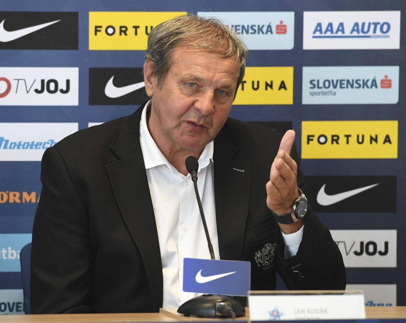 Za odstúpením Jána Kozáka z postu trénera slovenskej futbalovej  reprezentácie bol neprofesionálny prístup časti hráčskeho kádra po  sobotňajšej prehre v ... 20a052ed50