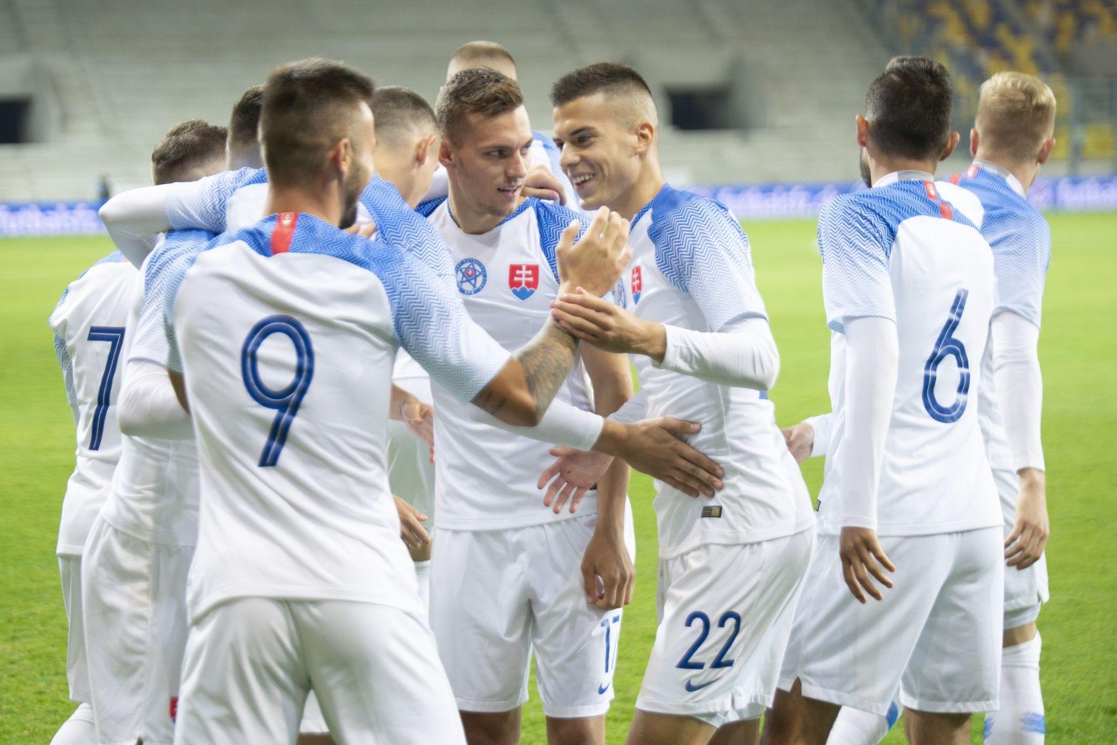 d85f430ac3e23 Slovenská futbalová reprezentácia do 21 rokov zvíťazila v piatkovom  stretnutí 2. skupiny kvalifikácie ME 2019 v Dunajskej Strede nad estónskymi  rovesníkmi ...