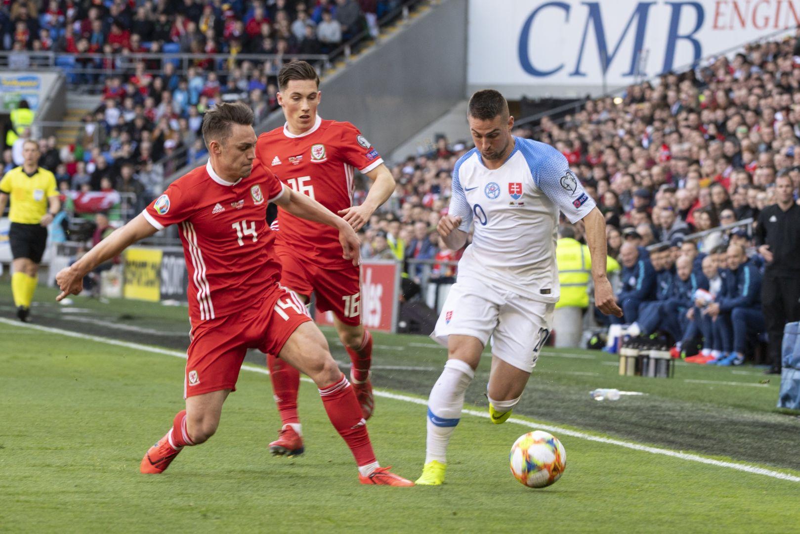a1fe59a772 Slovenskí futbaloví reprezentanti prehrali v Cardiffe s domácimi Walesanmi  0 1 v nedeľňajšom kvalifikačnom dueli kvalifikácie o postup na budúcoročné  ...