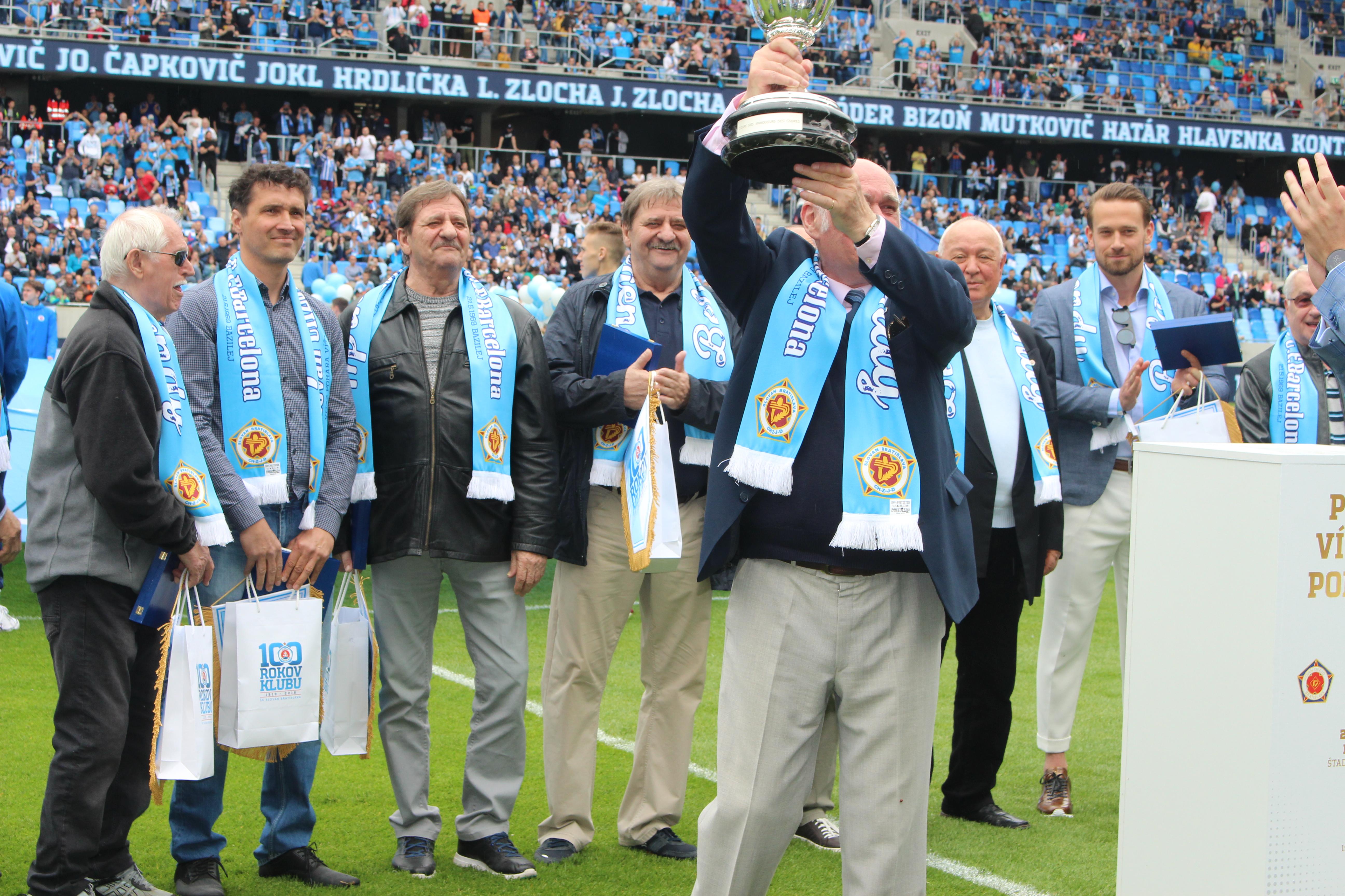 1284275c1a Zápas 8. kola nadstavbovej časti Fortuna ligy ŠK Slovan Bratislava – MŠK  Žilina (6 2) bol aj súčasťou osláv 100. výročia najúspešnejšieho  slovenského klubu